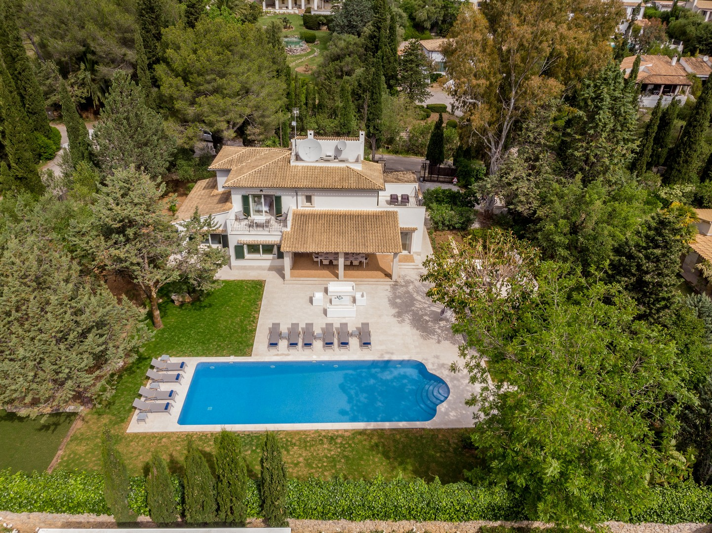 AH2996 - Luxury 5 Bed Villa Walking To Pollensa