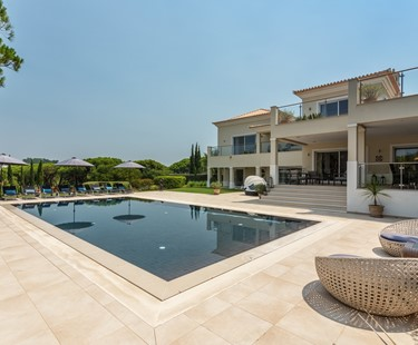 AH2408 - 4 Bed Luxury Vale Do Lobo Villa
