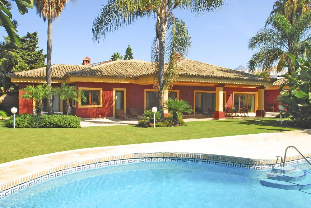 AH3003 - Lovely 5 Bed Villa Walking To Puerto Banus