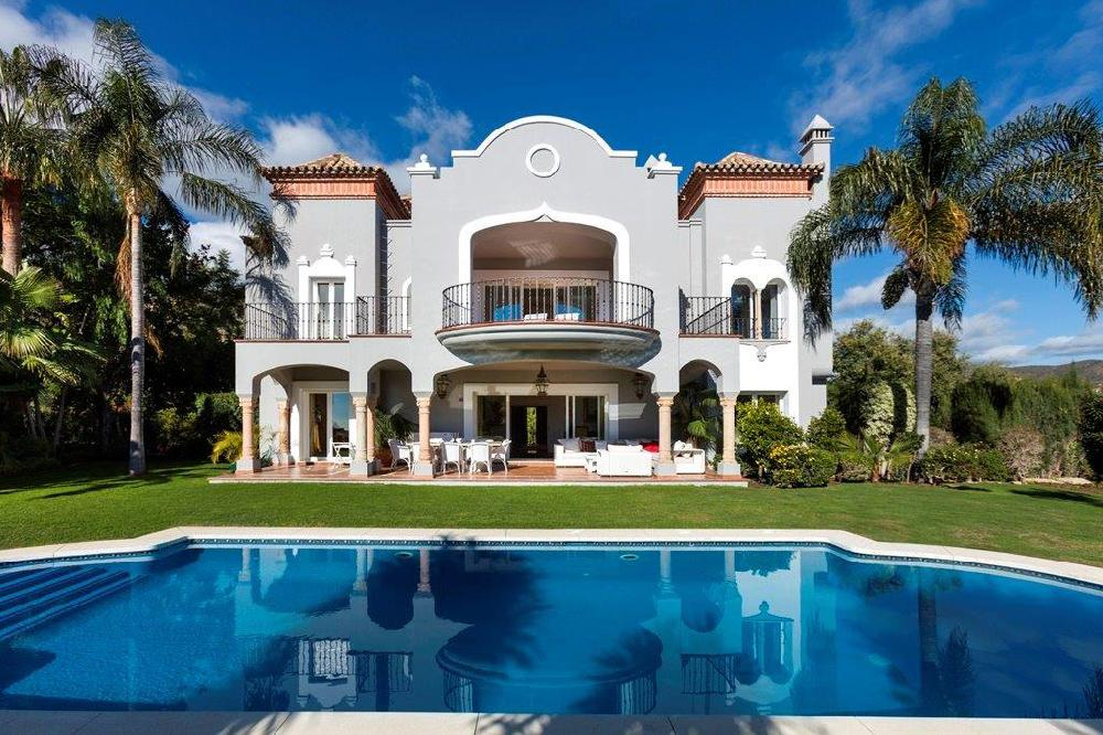 AH3005 - Luxury 5 Bed La Quinta Golf Villa