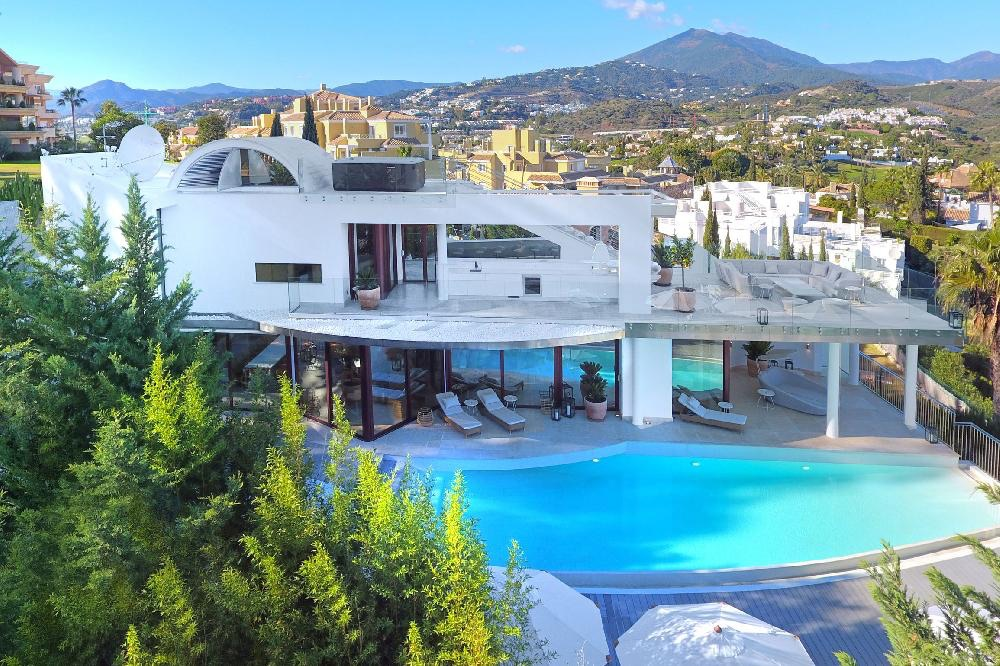 AH3008 - Stunning 7 Bed Villa Nueva Andalucia With Panoramic Views