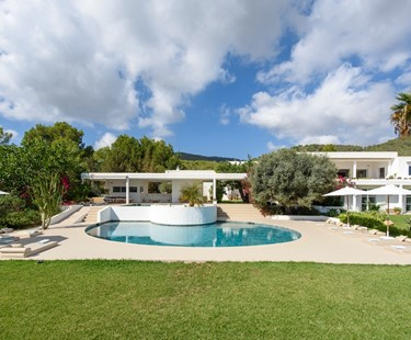AH3013 - Modern family Villa with sea views In Cala Jondal