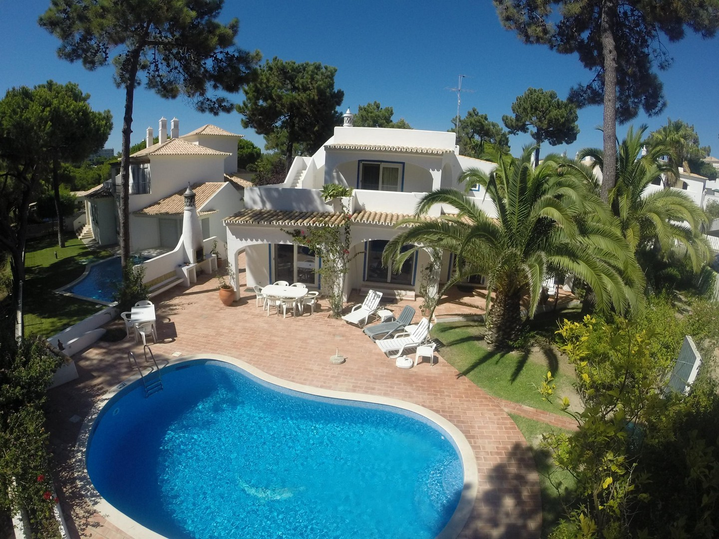 AH1056 -3 Bed villa with private pool in Vale do Garrao