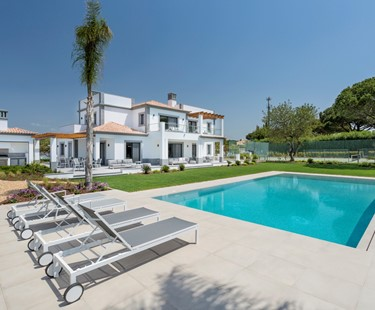 AH2695 - Luxury 4 Bedroom Villa with Pool Near Vale Do Lobo