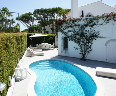AH3019 - Luxury 2 Bed Villa In Dunas Douradas