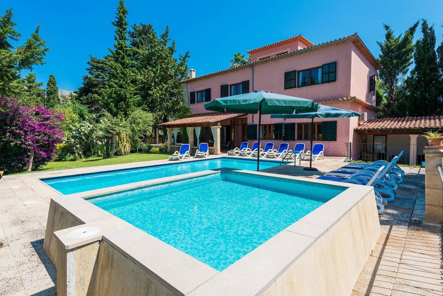 AH2253 - 7 Bed Villa Walking Distance To Pollensa Old Town With Wifi