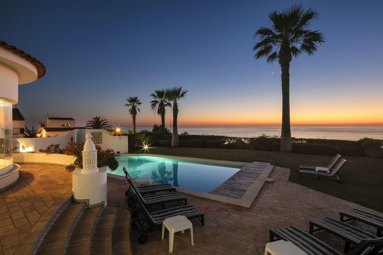 AH2349 - 5 Bedroom South Facing Vale Do Lobo Villa with Ocean Views