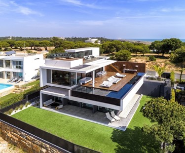 AH2696 - Modern 5 Bedroom Villa with Private Pool In Vale Do Lobo