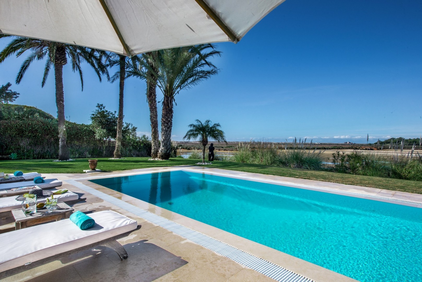 AH2269 - 4 Bed Quinta Do Lago Villa