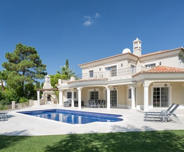 AH2178 - Modernised Traditional 5 Bedroom Villa with Sauna Private Pool & Golf Views