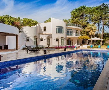 AH2650 - Modern 8 Bed Villa Quinta Do Lago with Large Pool & Tennis Court