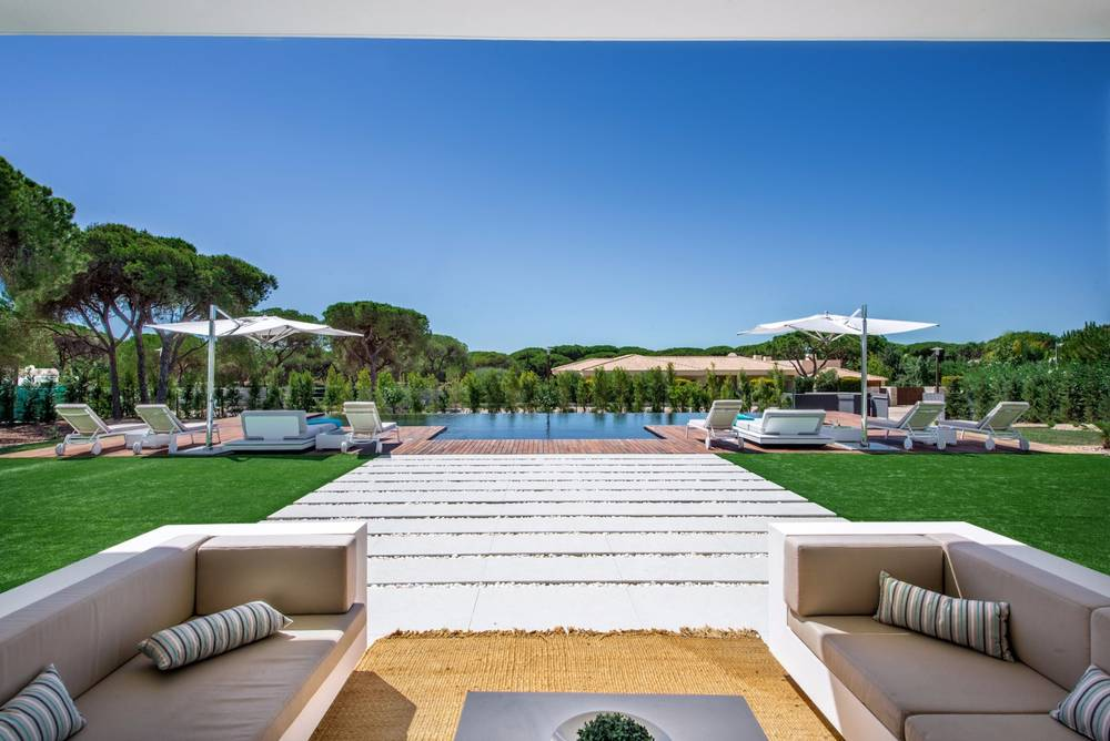 AH2405 - Stunning Luxury 6 Bed Villa 5 minute drive from the Vilamoura Marina