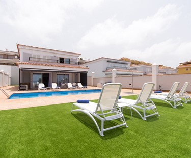 AH2440 - Beautiful Contemporary 4 Bed In Puerto Santiago Walking To Shops and Beach