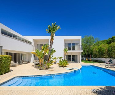 AH3025 - Modern 4 Bed Varandas Do Lago Villa Near Vale Do Lobo