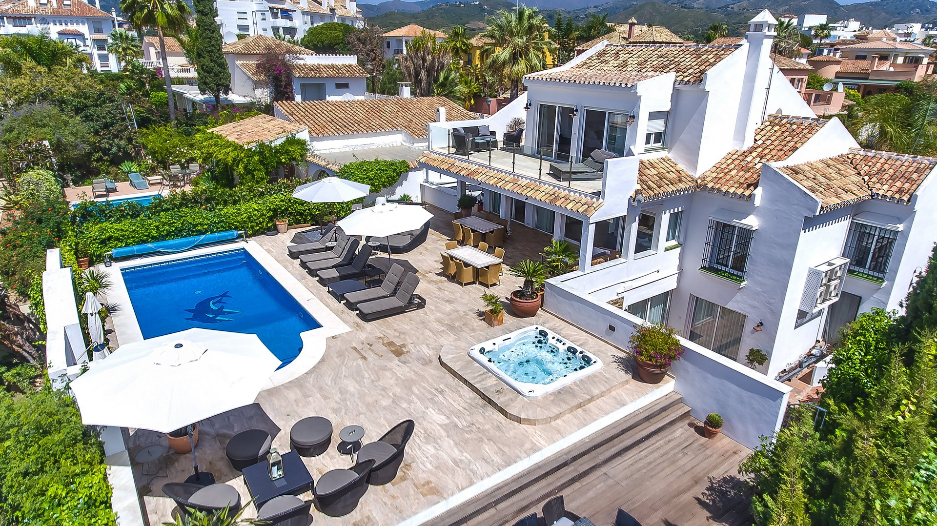 AH2757 - Luxury 6 Bed Villa In El Rosario|Marbella