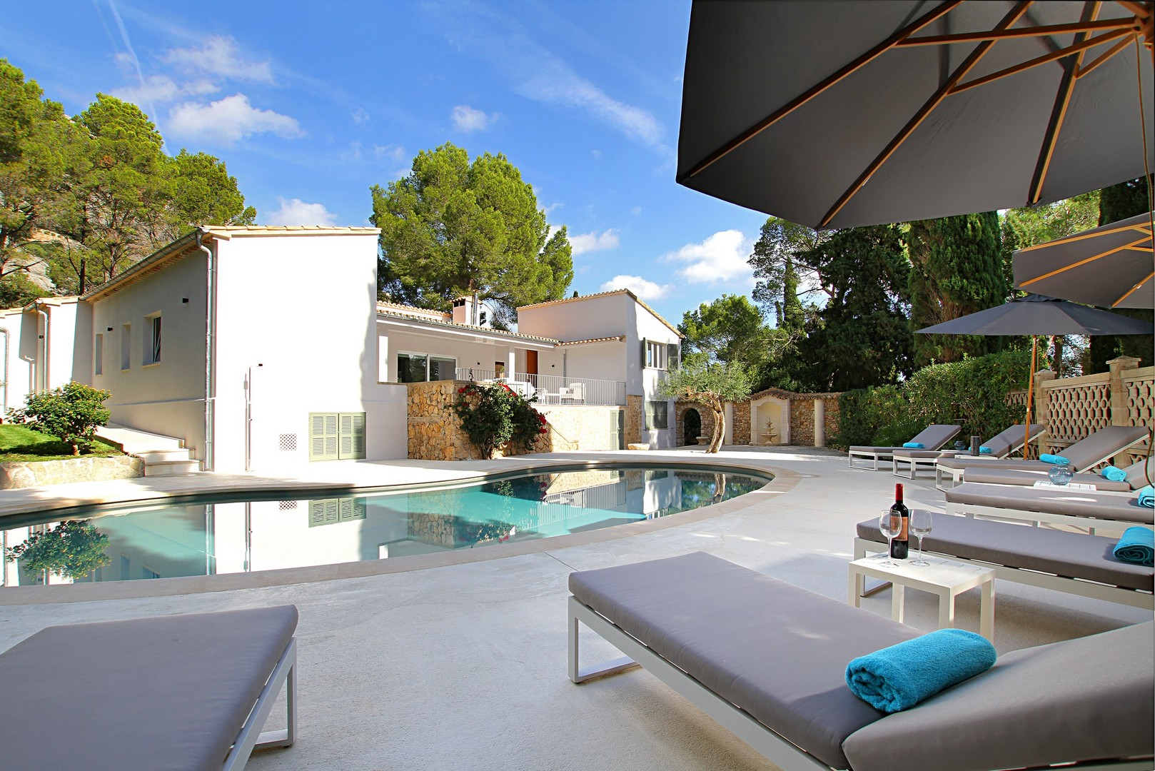 AH2870 - Modern 6 Bed 6 Bath Villa Walking To Pollensa