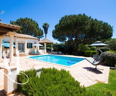 AH2340 - 4 Bed Villa In Dunas Douradas Walking To Beach