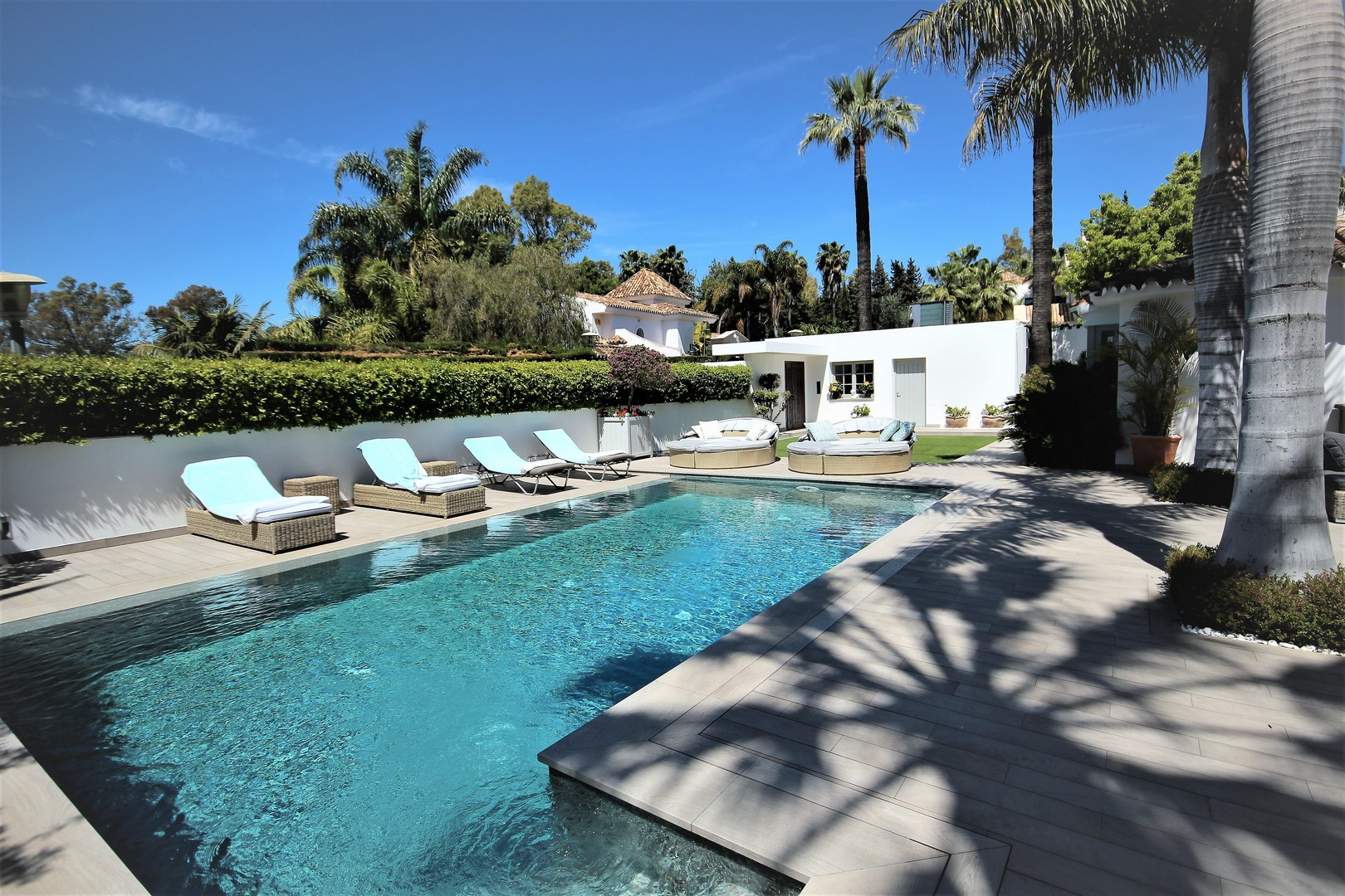 AH2417 - 5 Bed Marbella Club Villa Walking To Beach|Marbella