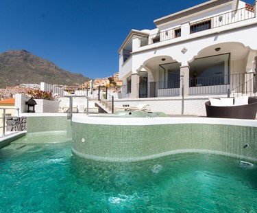 AH3026 - Luxurious 3 bed villa in Costa Adeje with panoramic views