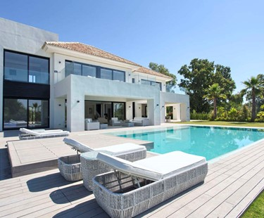 AH2441 - Modern 5 Bed Villa In Guadalmina Baja With Heated Private Pool