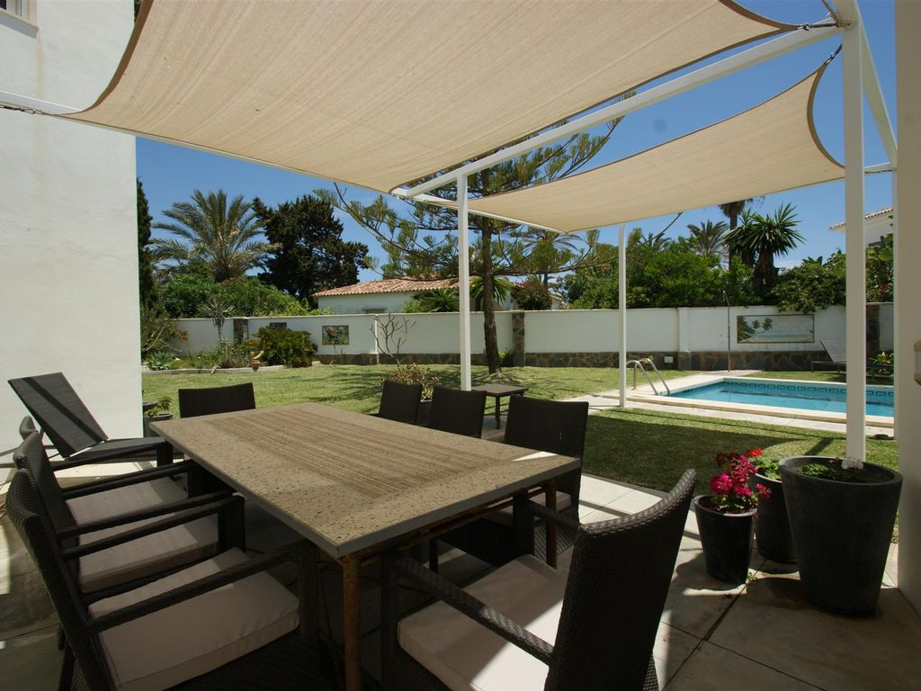 AH1486 - Modern 5 Bed Second Line Marbesa Beach Villas
