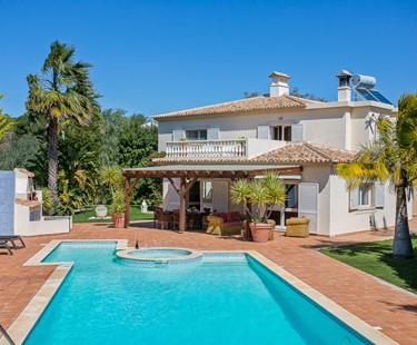 AH2712 - Superb 5 Bed Detached Villa With Games Room