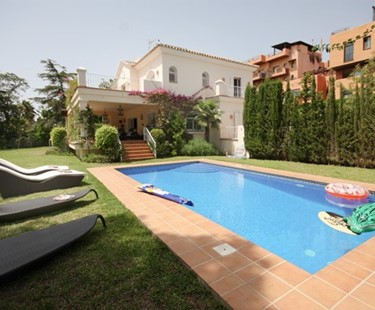 AH2428 - Luxury Family Villa with Pool and Gardens near to the Beach