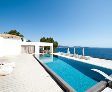 AH3010 - Modern 7 bed front line Ibiza Villa in Es Cubells with secluded beach and full staff