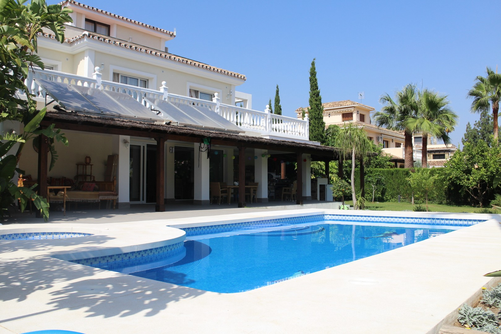 AH2367 - Spacious 5 bedroom villa with Panoramic Views of Sea in Marbella Area