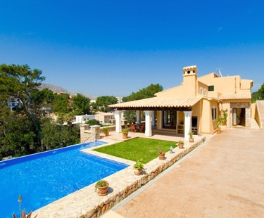AH2011 - Modern Spacious 3 Bedroom Villa in Cala St Vicente
