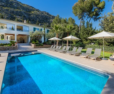 AH2998 - Gorgeous Modern 5 Bed Villa Walking To Pollensa With Heated Pool