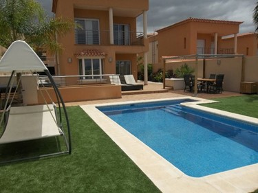 verde pool and villa.jpg