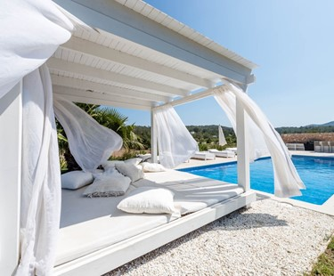 AH3039 - Modern stylish 5 bedroom villa Cala Bassa 300 metres from the beach