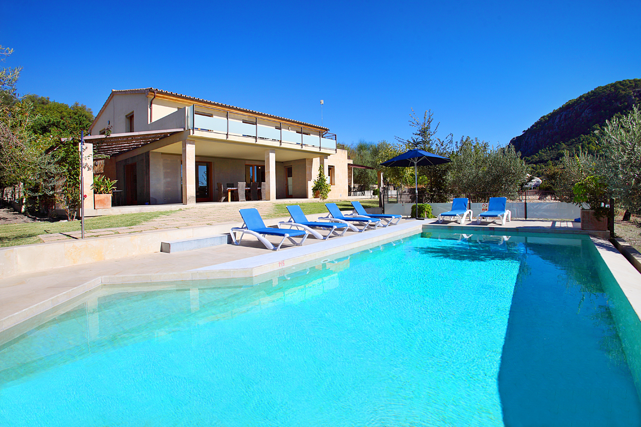 AH2571 - 4 Bed Mallorca Villa Walking To Pollensa Old Town