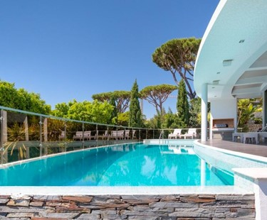 AH2313 - Contemporary 5 Bed Villa In The Heart of Vale do Lobo Walk To Praca