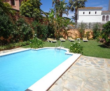 AH2578 - 5 Bed San Pedro Villa 200 Metres To Beach