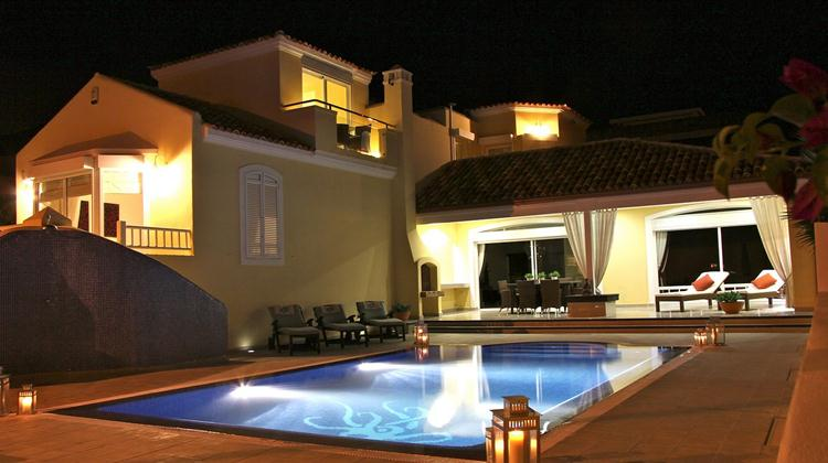 AH2583 - 4 Bedroom Luxury Family Villa in Costa Adeje