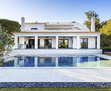 AH2861 - Beautiful 6 bed Quinta Do Lago Villa Walking To The Beach