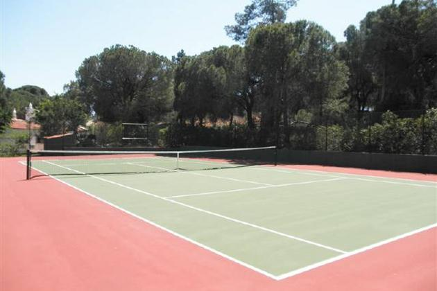 AH2648 - 4 Bed Villa With Tennis Court Between Almancil and Quinta Do lago