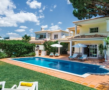 AH2498 -  4 Bed Villa with a Private Pool and Golf Views in Vilamoura