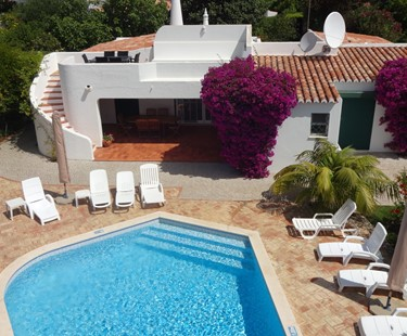AH2695 - 4 Bedroom Villa with Pool In Vale Do Lobo